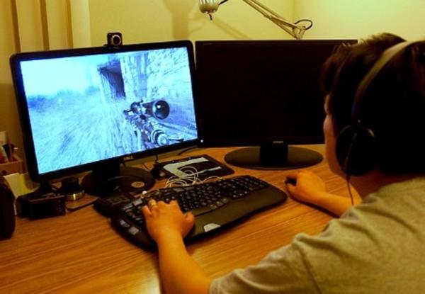 Сколько времени тратят  дети на компьютерные игры?
