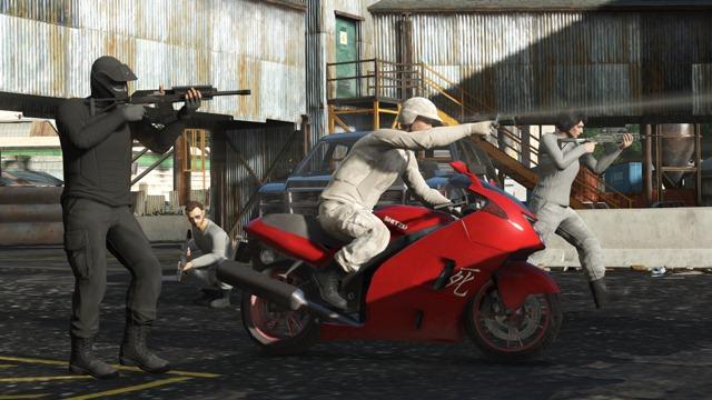 GTA Online 1.17: Команда уцелевших - Костюмы и обвесы